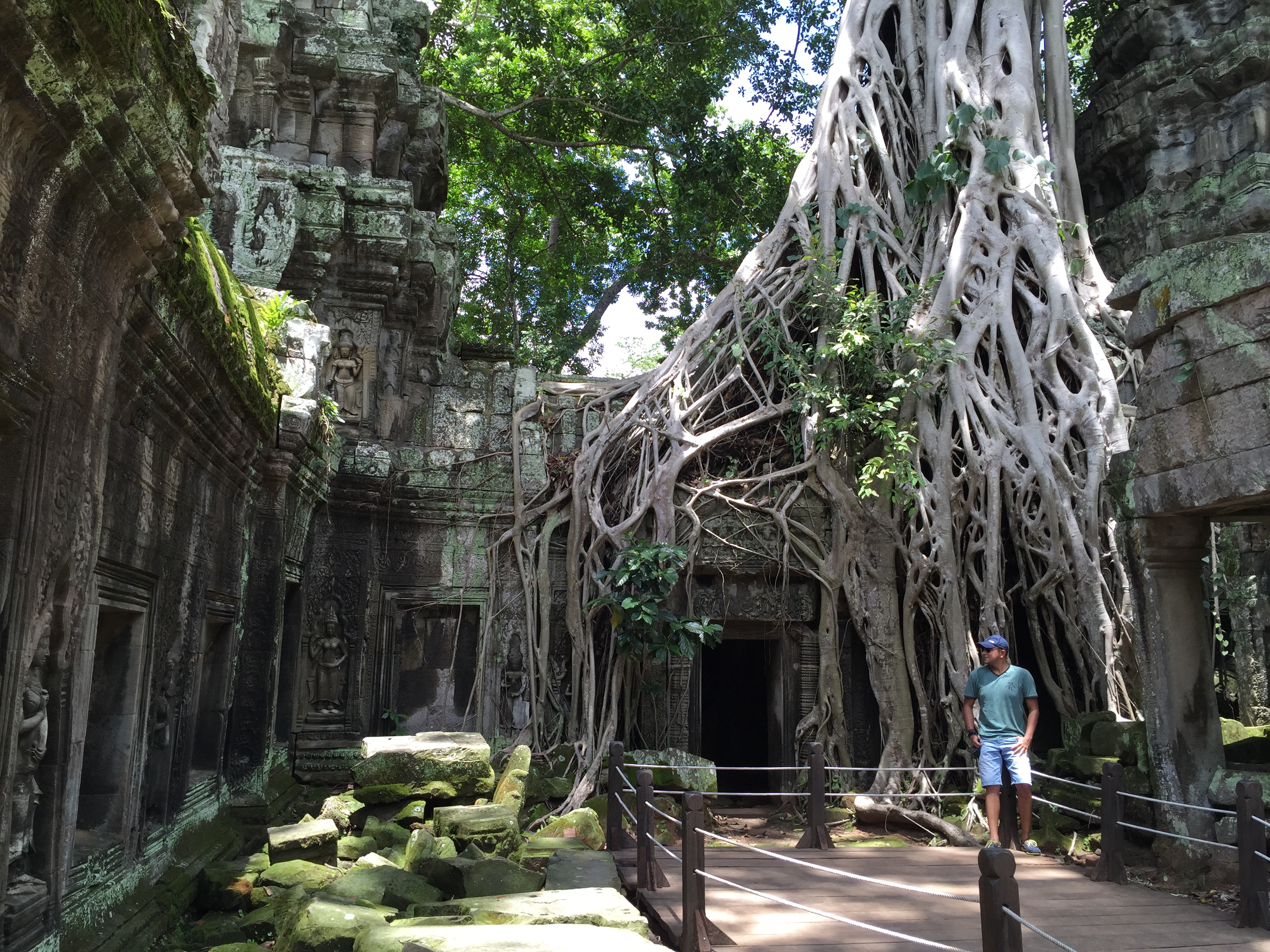 The mystic ruins of Ta Prohm - final insights of Angkor